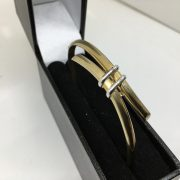 9 carat 2 colour bangle