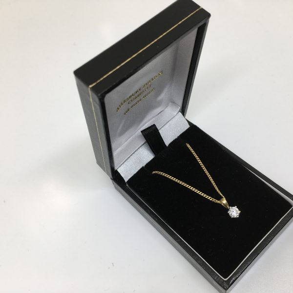18 carat yellow gold diamond pendant and chain