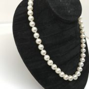 Cultured pearl strand with 9 carat clasp