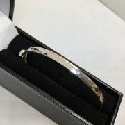 9 carat white gold honeycomb bangle