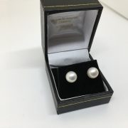 18 carat cultured pearl studs