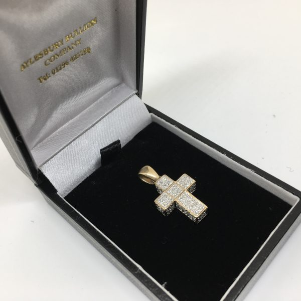9 carat yellow gold diamond cross