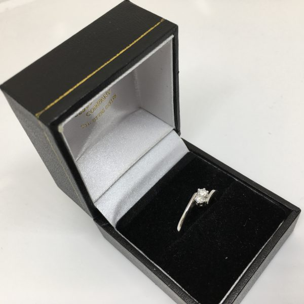 Preowned 18 carat white gold diamond crossover ring