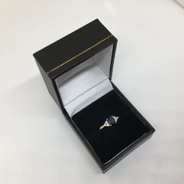 18 carat yellow gold sapphire and diamond ring