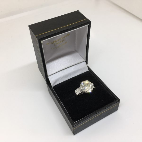 Preowned 18 carat white gold and platinum diamond ring