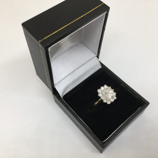 Preowned 9 carat yellow gold CZ cluster ring