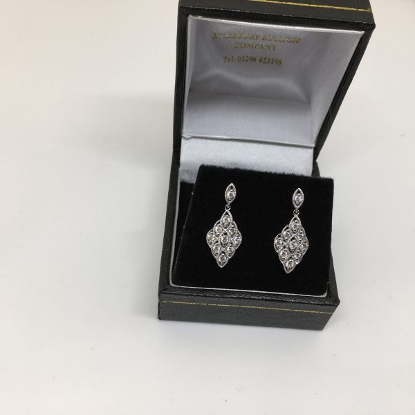 18 carat white gold diamond drop earrings