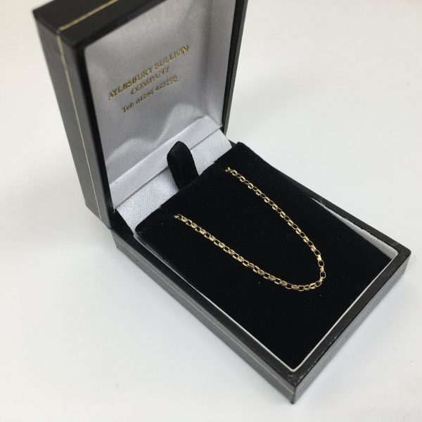 Preowned 9 carat yellow gold diamond cut belchar chain