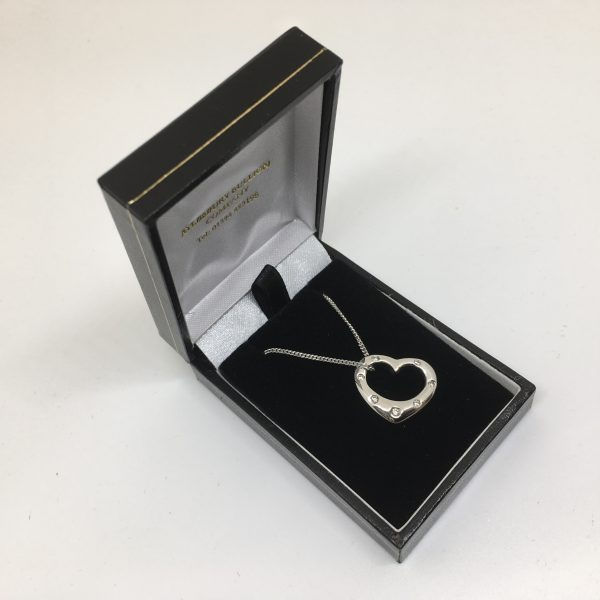 9 carat white gold diamond heart pendant and chain