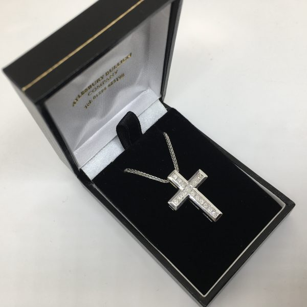 Preowned 18 carat white gold diamond cross pendant and chain