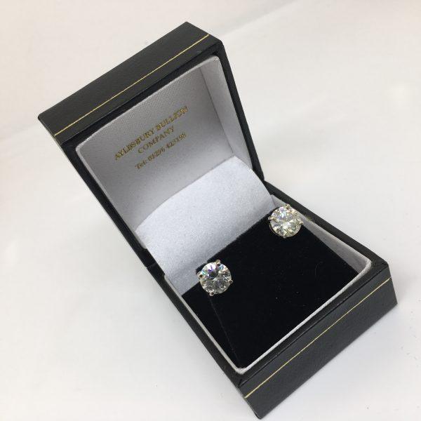 9 carat white gold moissanite stud earrings