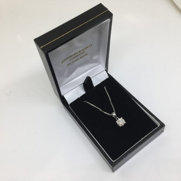 Preowned 9 carat white gold diamond pendant and chain