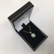 9 carat yellow gold opal pendant and chain