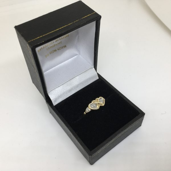 Preowned 9 carat yellow gold diamond heart ring