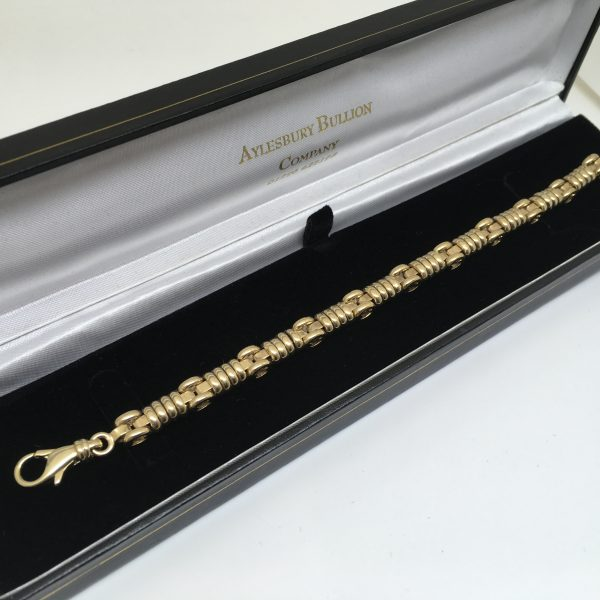 Preowned 9 carat yellow gold fancy link bracelet