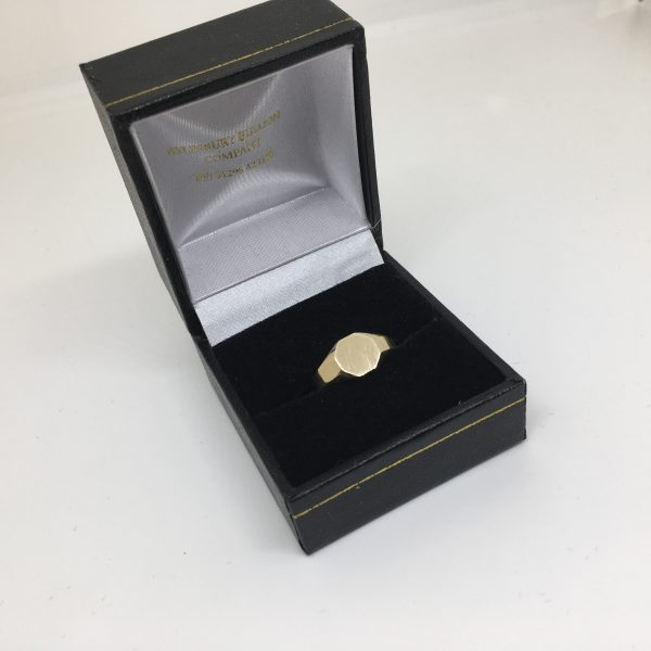 9 carat yellow gold hexagonal signet ring