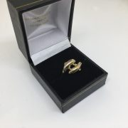 9 carat yellow gold dolphin ring