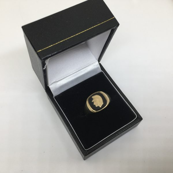 Preowned 9 carat yellow gold onyx signet rin