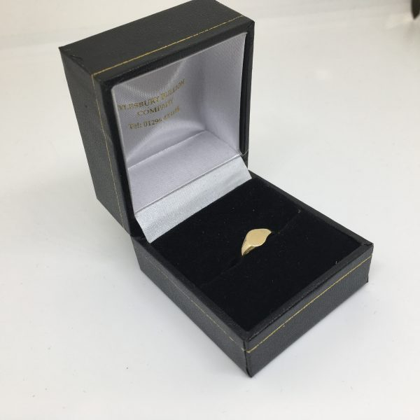 9 carat yellow gold children's round signet ring