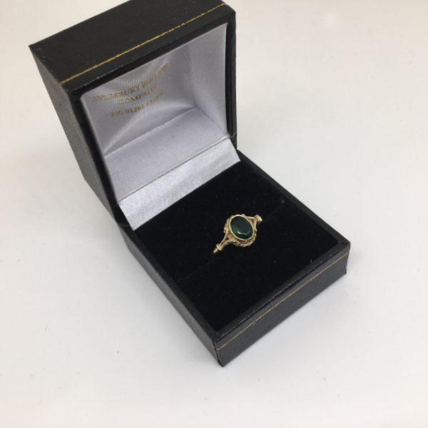 9 carat yellow gold green agate signet ring