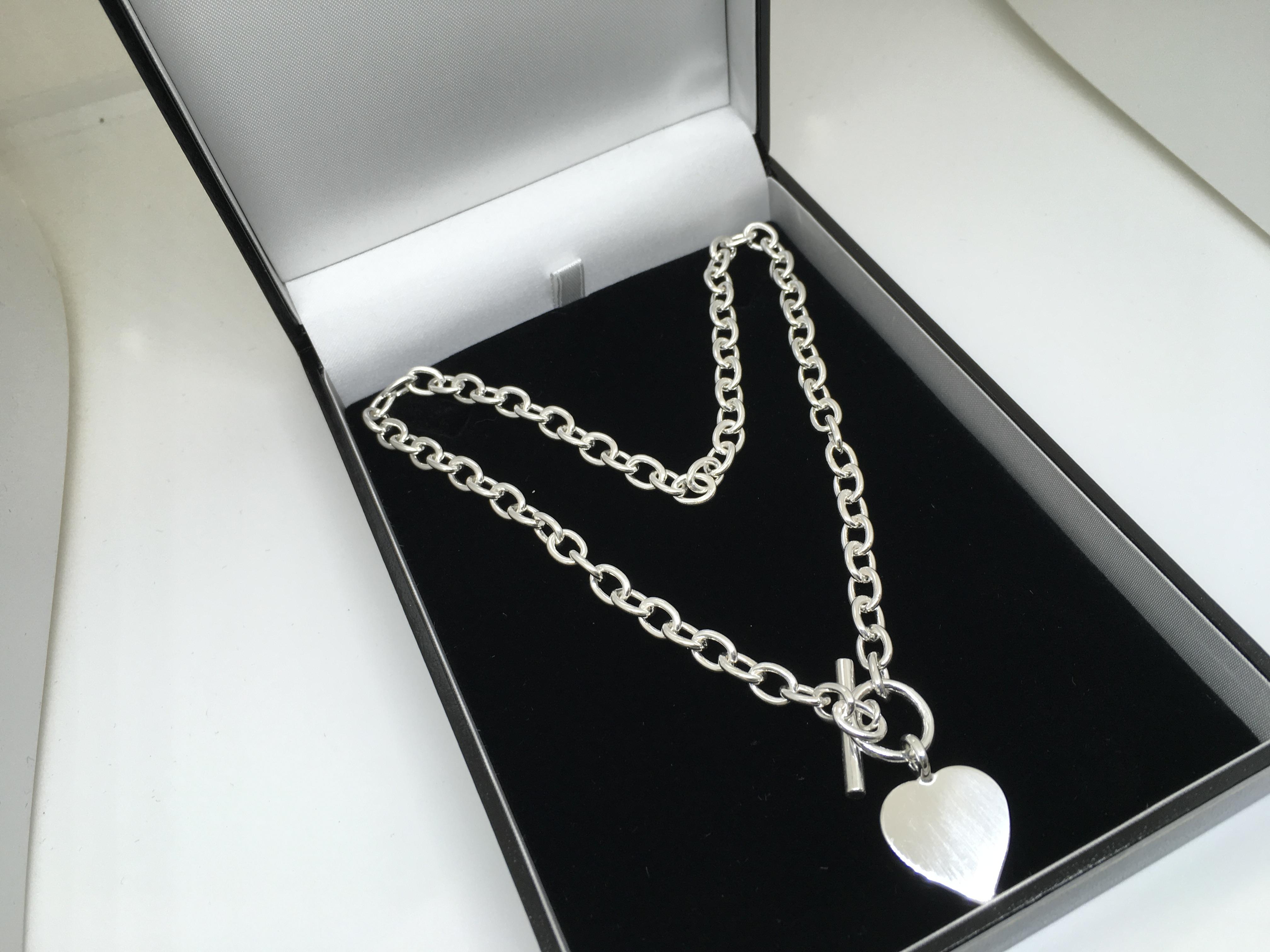 b0c91ff85bf Sterling silver heart t-bar necklace - Aylesbury Bullion