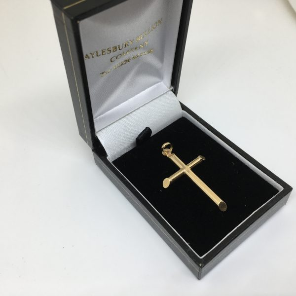 9 carat yellow gold cross pendant