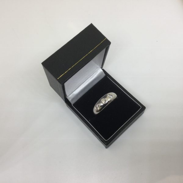 9 carat white gold diamond band