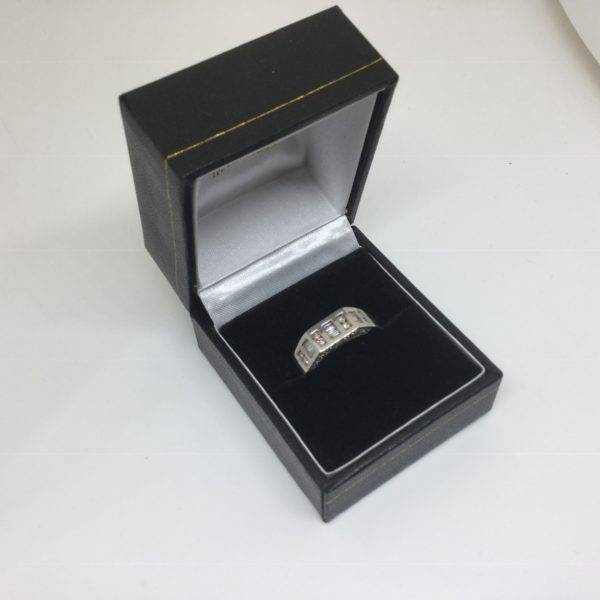 9 carat white gold diamond ring