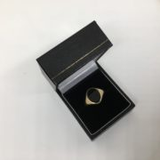 Preowned 9 carat yellow gold onyx signet ring