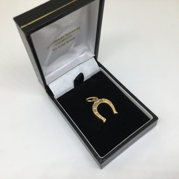 Preowned 9 carat yellow gold horse shoe charm/ pendant