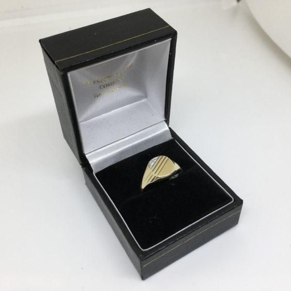 Preowned 9 carat yellow gold diamond signet ring