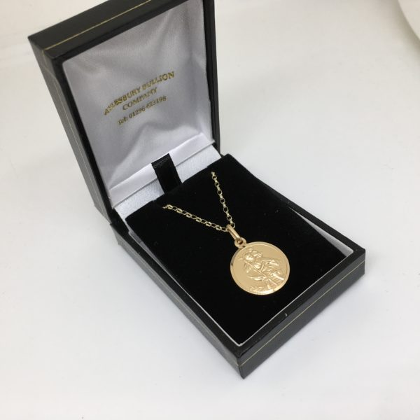 9 carat yellow gold St Christopher pendant and chain