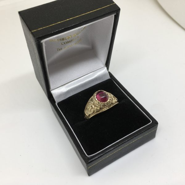 Preowned 9 carat yellow gold stone set college ring
