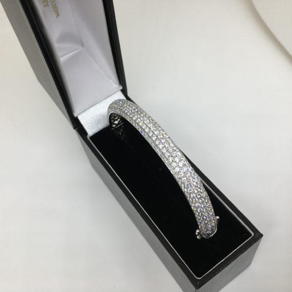 18 carat white gold diamond bangle