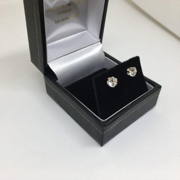 9 carat yellow gold cubic zirconia stud earrings