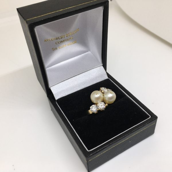 Preowned 18 carat yellow gold pearl and diamond ring