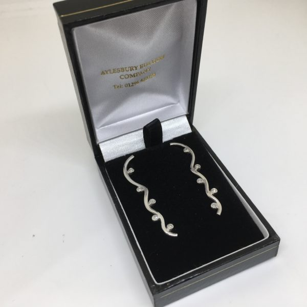 Preowned 9 carat white gold diamond drop earrings