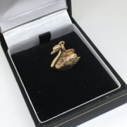 Preowned 9 carat yellow gold swan charm