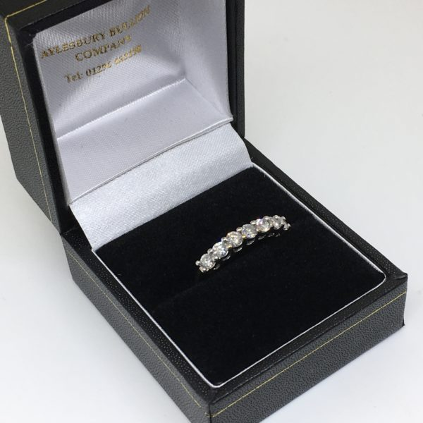 Preowned 9 carat yellow gold diamond ring