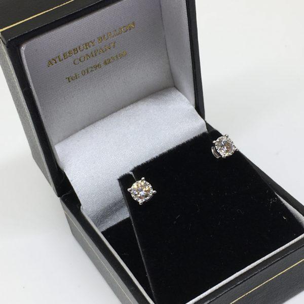 9 carat white gold diamond stud earrings