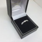 18 carat white gold diamond twist band