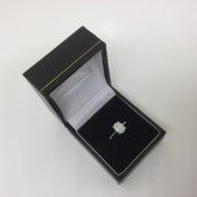 9 carat yellow gold single stone opal ring