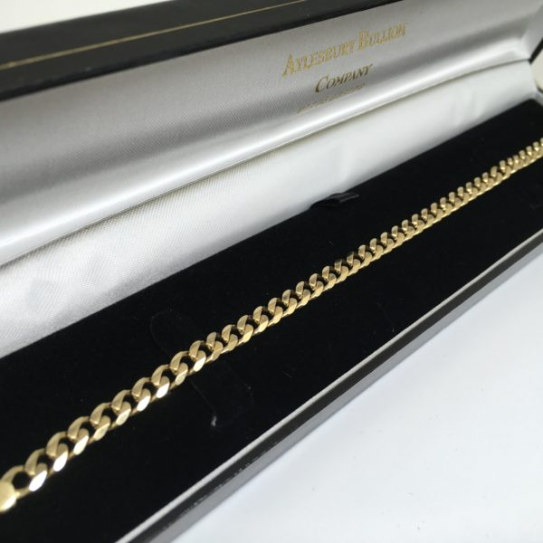 Preowned 9 carat yellow gold curb bracelet