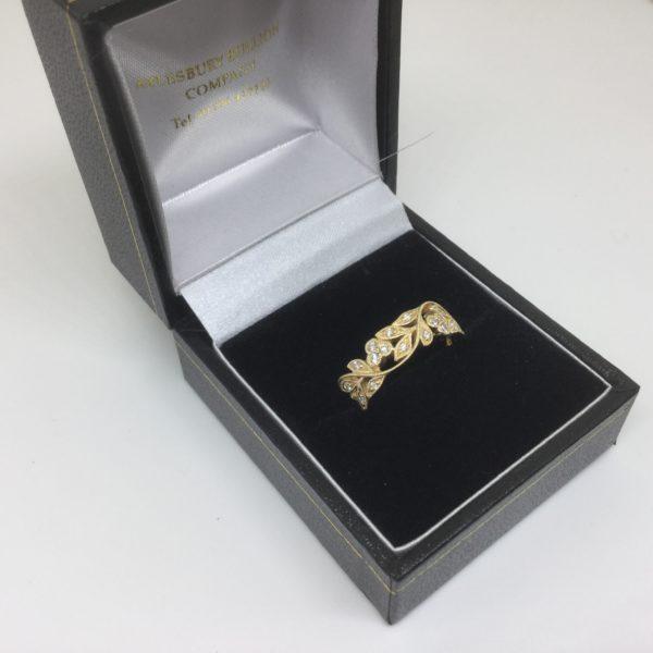 18 carat yellow gold fancy diamond ring
