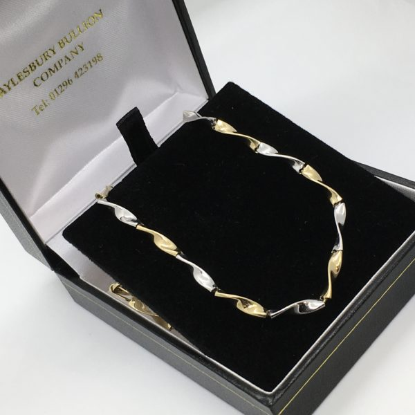 Preowned 9 carat yellow and white gold chain