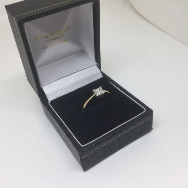 Preowned 18 carat yellow gold single stone diamond ring