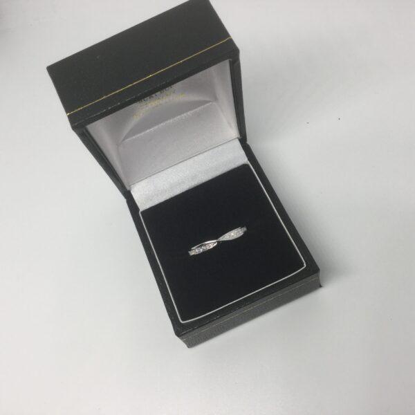 9 carat white gold diamond cross over ring