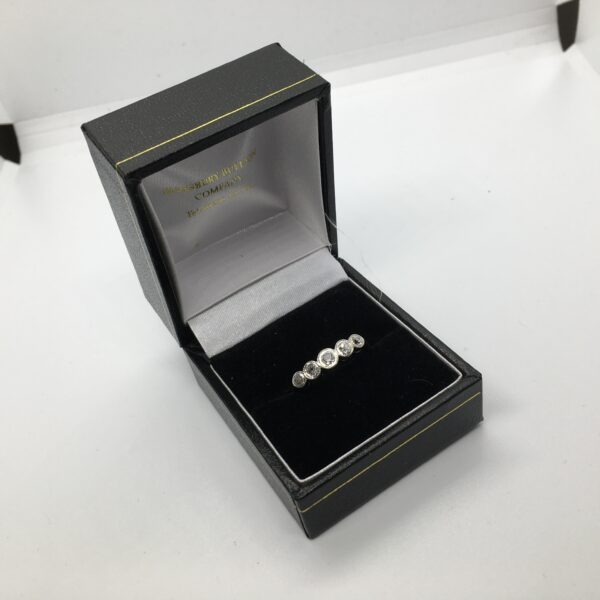 Preowned 18 carat yellow gold, platinum and diamond ring