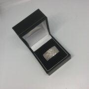 Preowned 18 carat white gold diamond ring