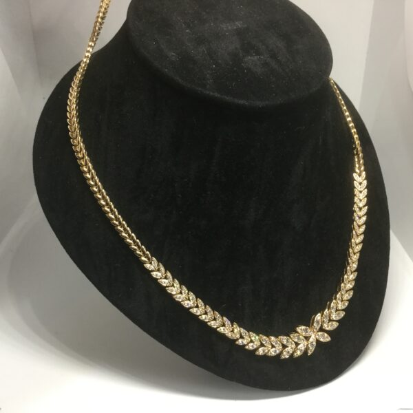 18 carat yellow gold diamond necklace